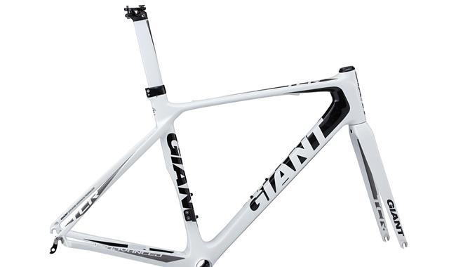 ���������� ���� (��������) Giant TCR Advanced White/Black/Silver '12 ����